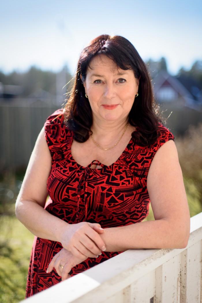 Deckarförfattaren Anna Jansson skriver deckare som handlar om kärlek.