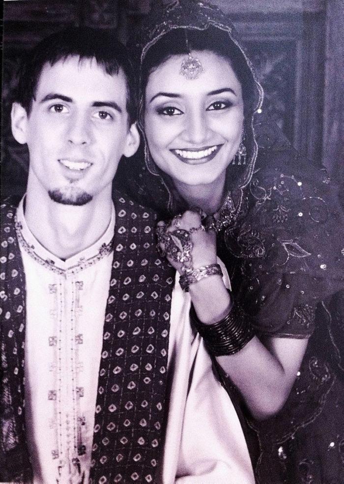 Torbjšrn och Sabah Ingvarsson gifter sig i Pakistan 2004.