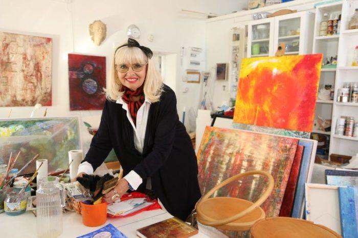 Margareta är en etablerad konstnär med utställningar i både Sverige och USA