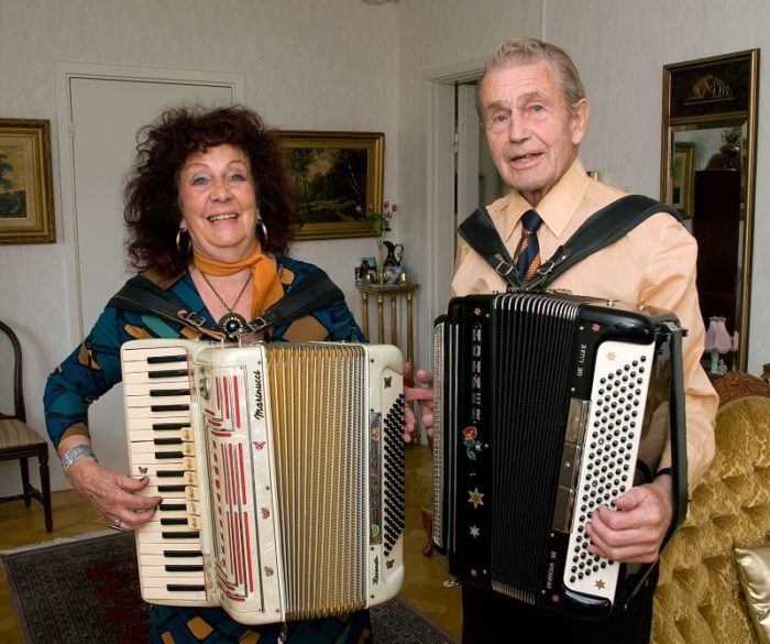 Ingvor och Frank-Bertil har spelat dragspel ihop i 14 år.