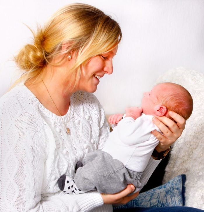 Emma med sin lille Noah
