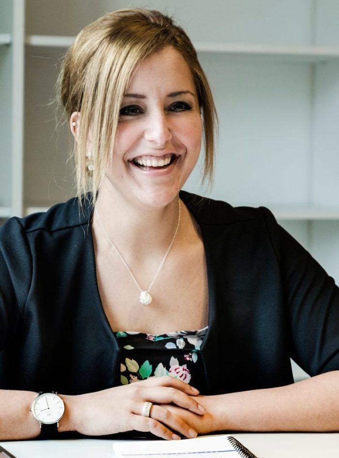 Renata är ordförande för Unga Romer i Oskarshamn