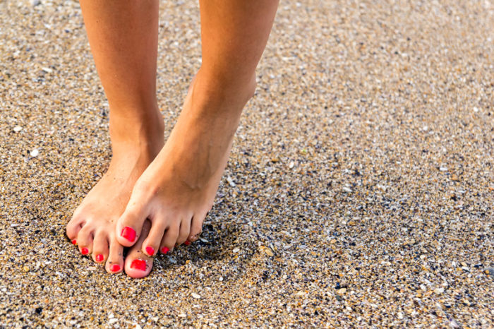 reumatisk värk under fötterna
