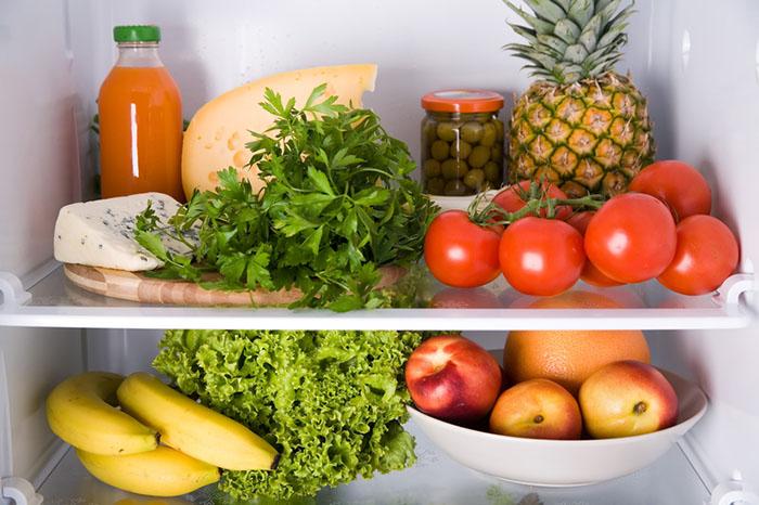 ta bort dålig lukt i kylskåpet