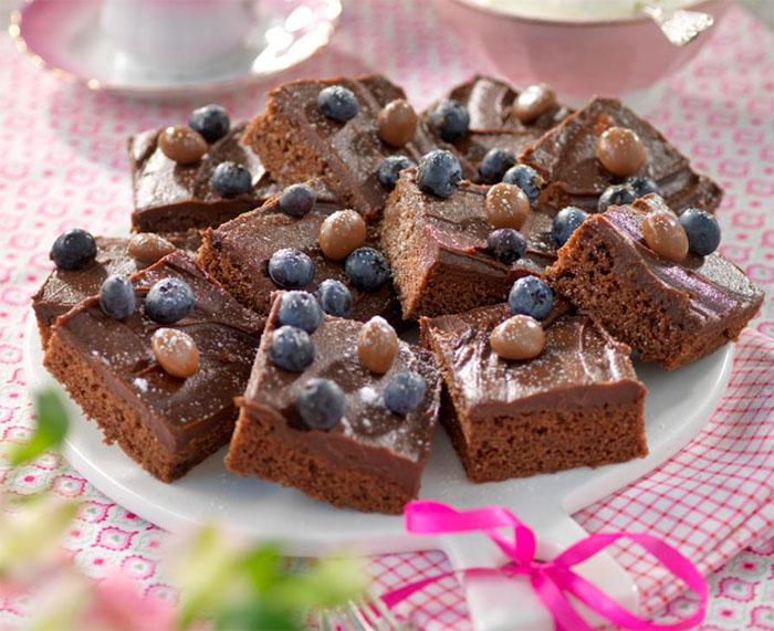 Baka chokladrutor med after eight i långpanna