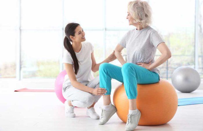 Att vara duktig med träningen är en sak som hjälper förebyggande mot benskörhet. Bild: IBL