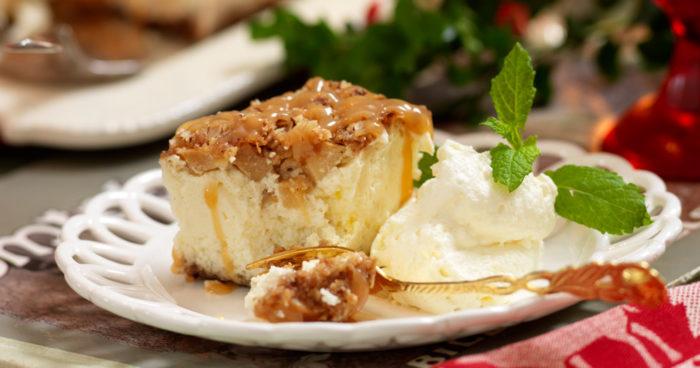 Cheesecake med äpple och hasselnötter recept