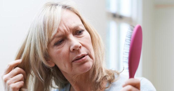 hur många hårstrån tappar man per dag