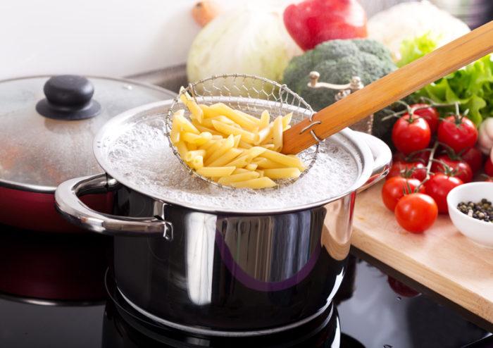 Kokad pasta i hålslev.