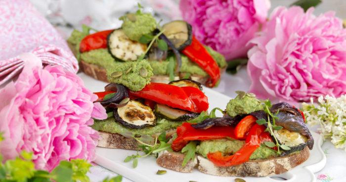 Smörrebröd med rostad paprika och squash recept