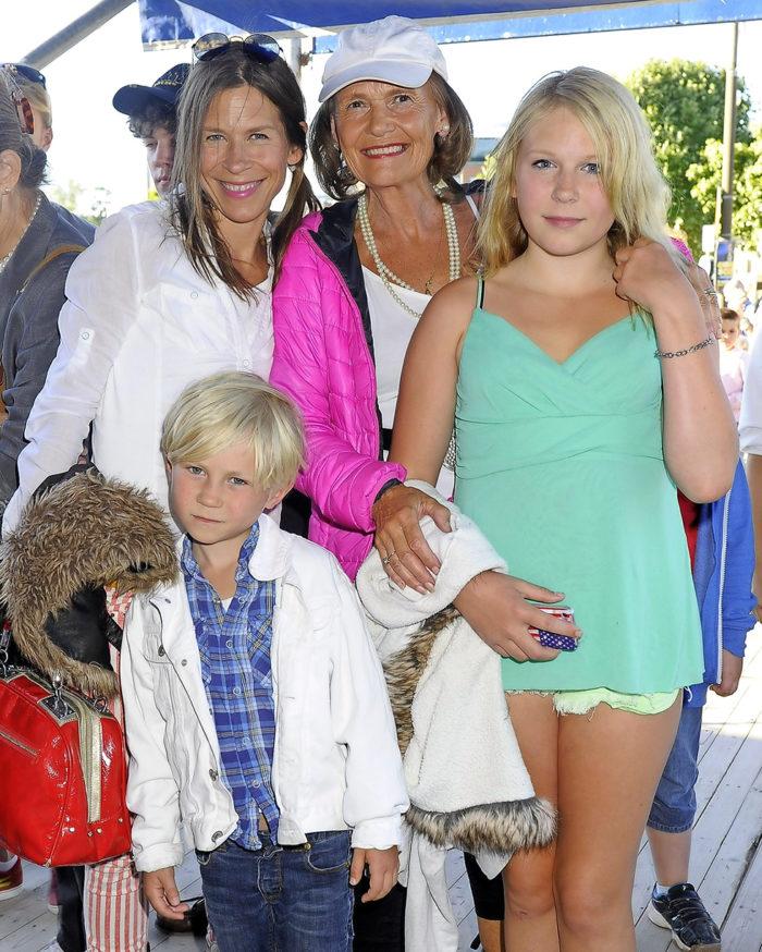 Yvonne och Caroline med hennes barn Eddie-Lee och Otis.