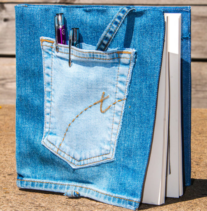 Återbruk: Sy bokfodral av gamla jeans