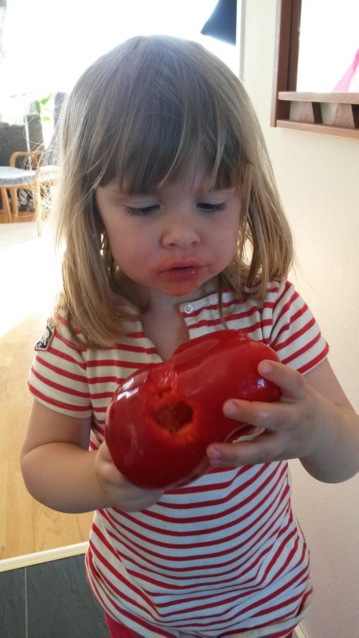 Så här kan man också äta paprika - alla sätt är bra.