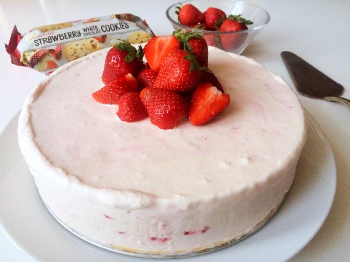 Glutenfri jordgubbscheesecake