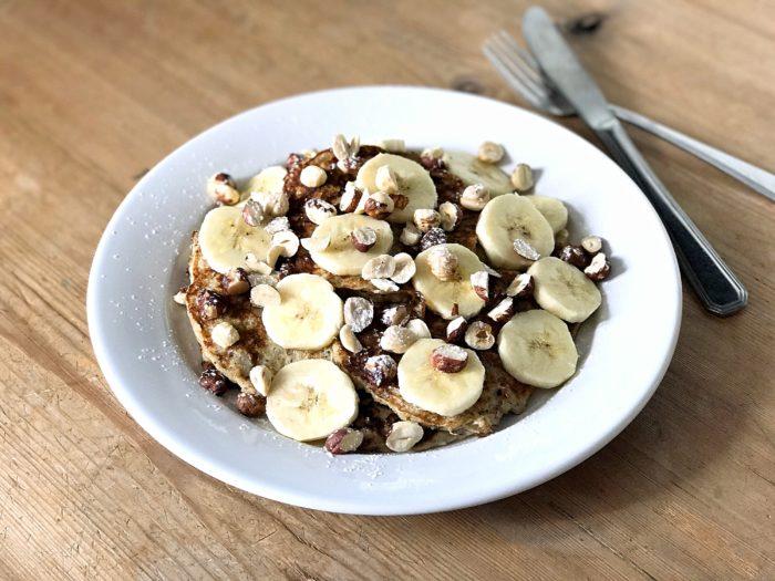 Glutenfria bananpannkakor med hasselnötter