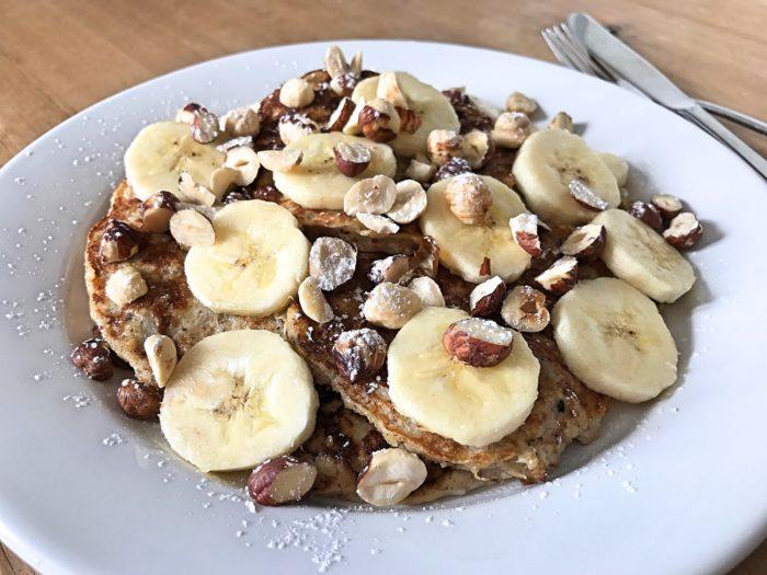 Glutenfria bananpannkakor med nötter