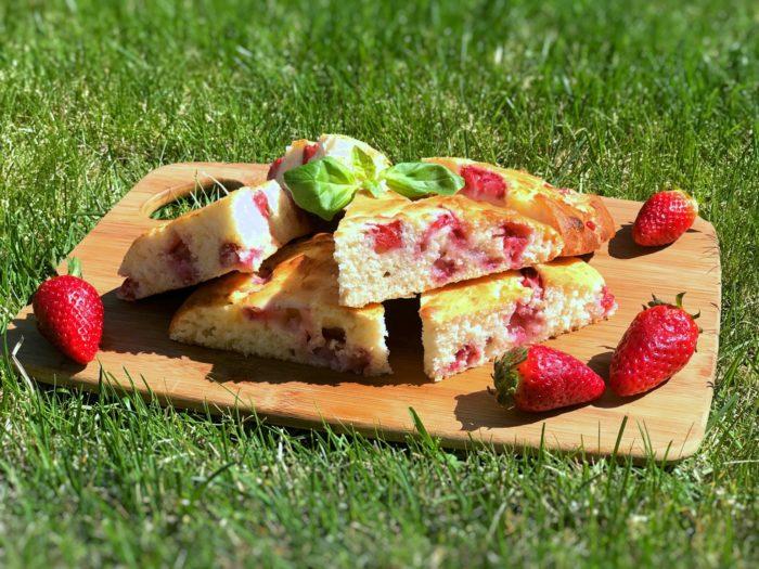 Glutenfria scones med jordgubbar